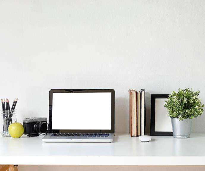 Minimalistic desk