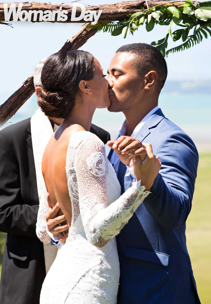 A kiss for beautiful bride Georgia!