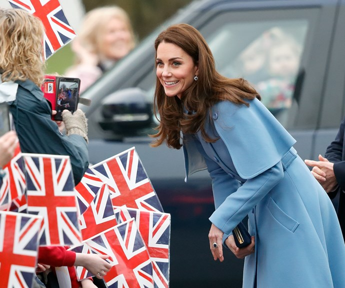 kate middleton in northern ireland blue mulberry coat