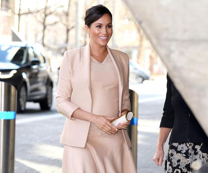 meghan markle pregnant national theatre