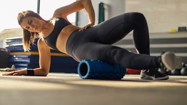 The reasons why you should also be foam rolling before you work out