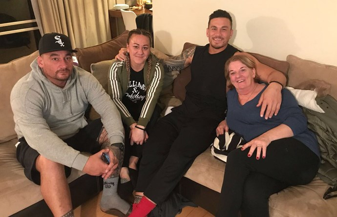 Sonny with his brother John, his sister and Sevens star Niall, and his mother Lee. *Source: Twitter @SonnyBWilliams*