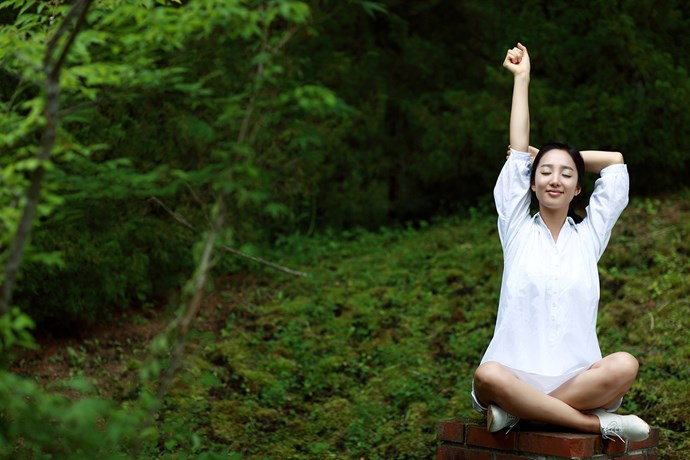 Just 20 minutes of walking or sitting in nature can significantly  lower your stress levels. *(Image: Getty)*
