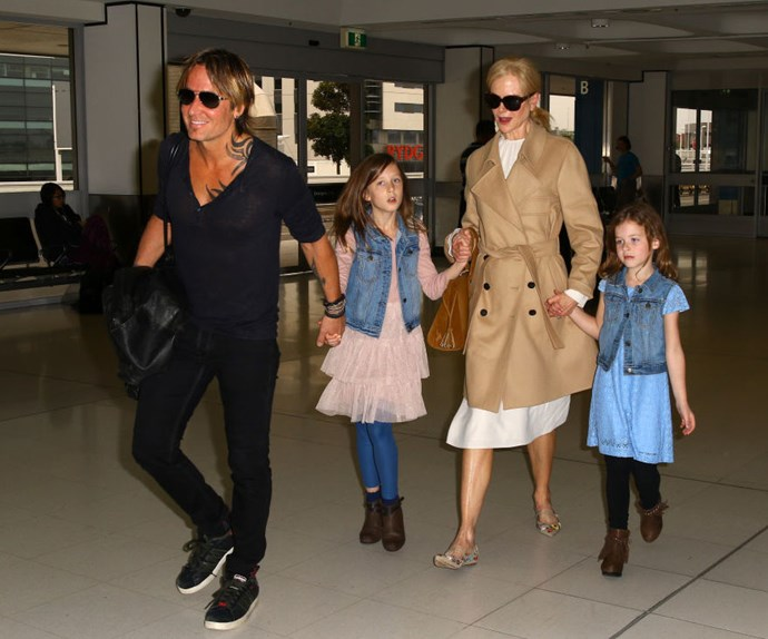 Nicole and Keith arriving at Sydney Airport in March 2017 with daughters Sunday and Faith.