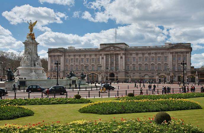 Buckingham Palace will become a home away from home for Harry and Meghan when they're visiting the capital. *(Image: WikiMediaCommons/ David Iliff)*