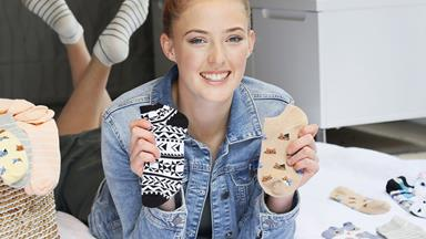 The Kiwi teenagers bringing joy to cancer sufferers one pair of colourful socks at a time