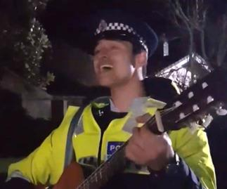 'Damn, handsome and funny': The video that's gone viral of a police officer singing at Ihumātao