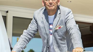 Paul Henry reveals he's 'in talks' to return to TV