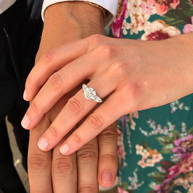 The gorgeous ring which Edoardo designed himself! *(Image: Princes Eugenie of York)*