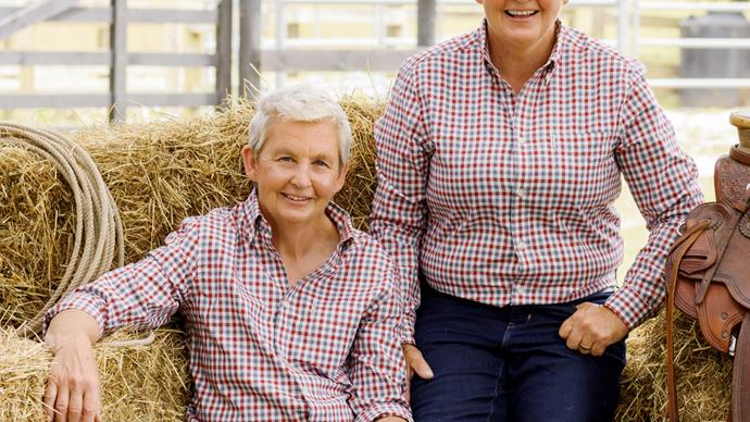 Lynda and Jools Topp Twins