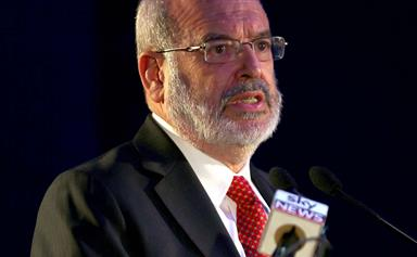 Top NZ scientist Dr Peter Gluckman adds his voice to calls from experts to shut down NZ completely