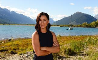 Otago mum's triumph: 'I conned a conman!'