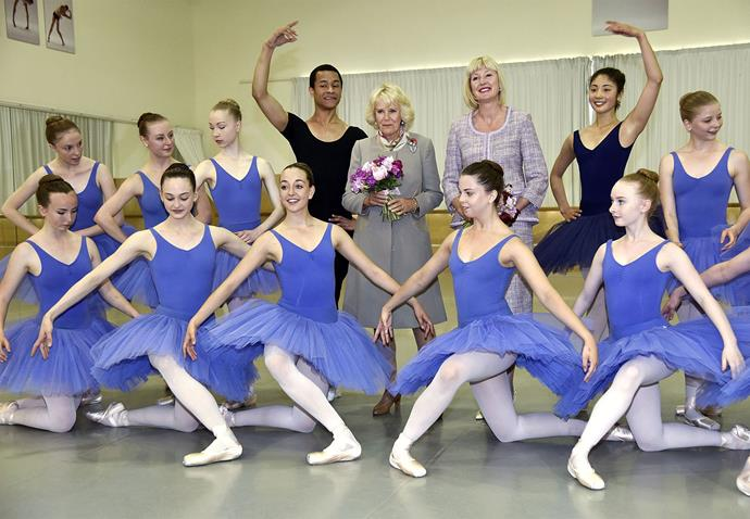 Camilla poses for a photo with students at Te Whaea National Dance Centre in Wellington. Photo: Getty
