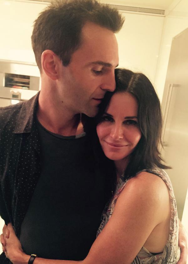 Courteney shared this loved-up picture back in September. Photo: Twitter/CourteneyCox