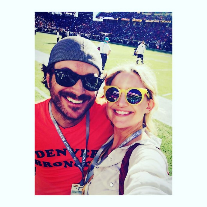 Kate Hudson and her brother Oliver take a selfie from the field.