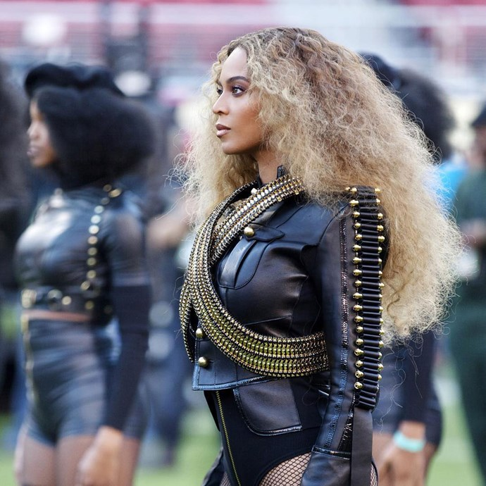 Beyonce's stole the show with her powerful performance of new surprise single 'Formation' - and even a near-fall during her dance routine couldn't throw her off! In true Beyonce fashion, she recovered flawlessly and continued on with the show.