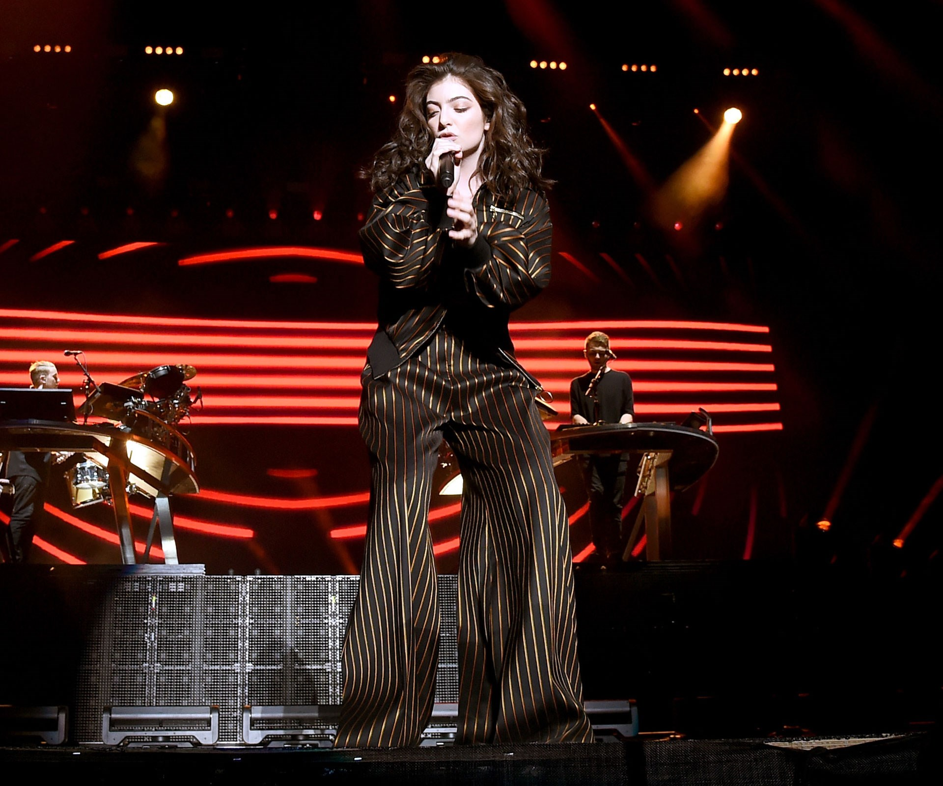 "[**Apr 18, 2016**](http://www.womansday.co.nz/celebrity/new-zealand-celebrities/lorde-sends-crowd-crazy-at-coachella-4501|target=""_blank"") The star performed her hit 'Magnets' to an energetic crowd. Photo: Getty."