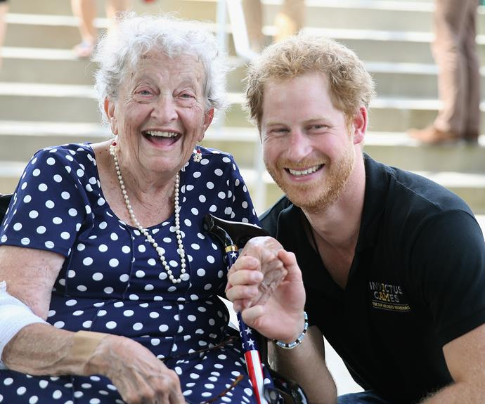Harry meets 95-year-old Ruth Uffleman at the wheelchair tennis on the final day of the Games. Photo: Getty
