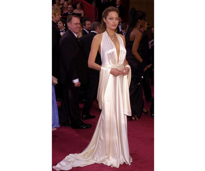 In 2004 at the 76th Annual Academy Awards, Angelina's took the plunge in this beautiful gown.