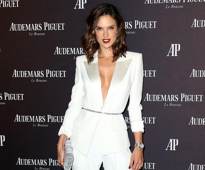"""Brazilian supermodel Alessandra Ambrosio has a bizarre trick for getting rid of flyaways and split ends - burning them off with an open flame! The Victoria's Secret Angel recently [shared a photo](https://www.instagram.com/p/3SGJ56qboe/ target=""""_blank"""") of her hairdresser using a candle to perform the treatment on a twist of her locks."""