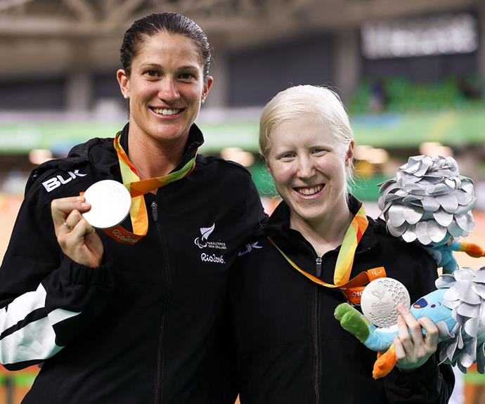 Para-cyclists Emma Foy and Laura Thompson won silver in the Women's B 3000m Individual Pursuit Final.