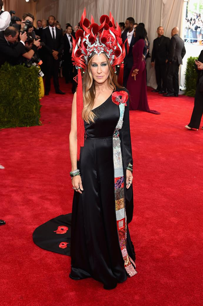 At the Met Gala the following year, Sarah Jessica pulled out all the stops with a show-stopping hat that literally looked like it was on fire.