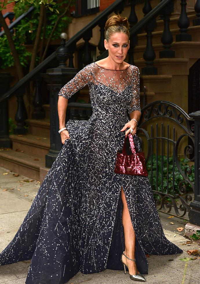 Looking like a real life Cinderella, SJP stepped out on the streets of Manhattan wearing this jaw-dropping Disney-worthy gown.