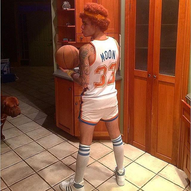 Justin Bieber went as Jackie Moon from Semi Pro in 2015.
