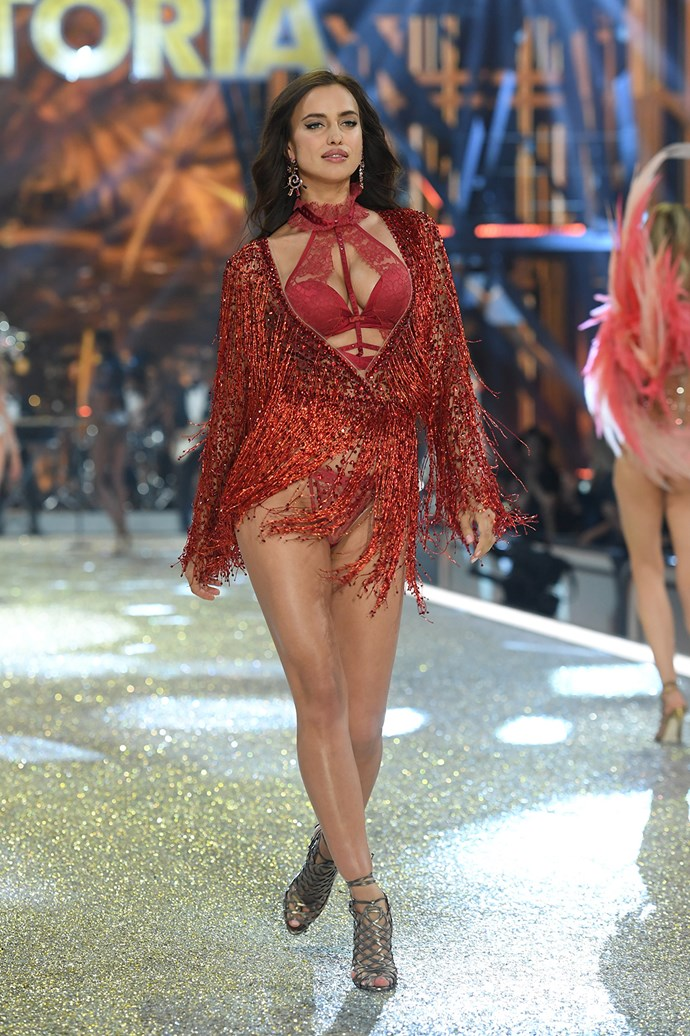 Irina Shayk shimmers in a red-hot ensemble.