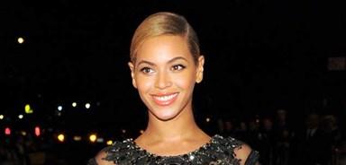 Beyonce buys Jay-Z a luxury plane