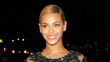 Beyonce buys Jay-Z a luxury plane