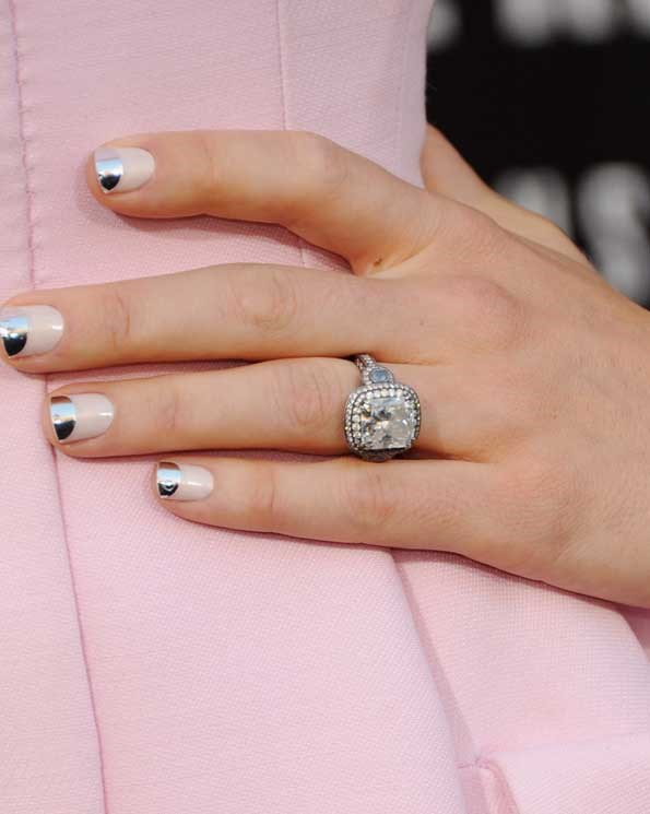 Jessica Biel has the ring but not the party