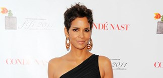 Halle Berry related to Sarah Palin