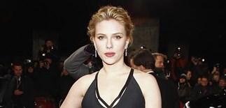 Single Scarlett Johansson no more?