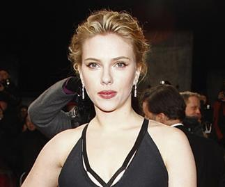 Single Scarlett Johansson no more?