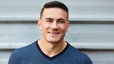 Sonny Bill Williams gets down to his denims