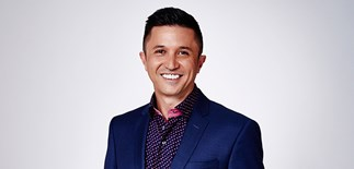 Mike-Puru-host-of-TV3's-The-Bachelor-New-Zealand
