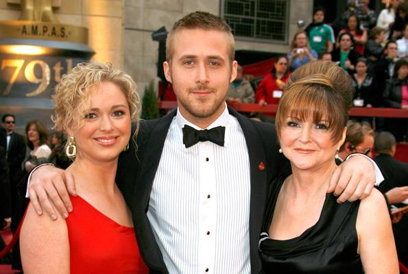 The actor with two of his favourite ladies, his big sister Mandi and mum Donna.