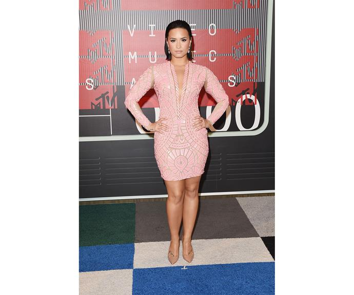 It's usually one of the more outrageous red carpets of the year and the 2015 VMAs proved no exception!