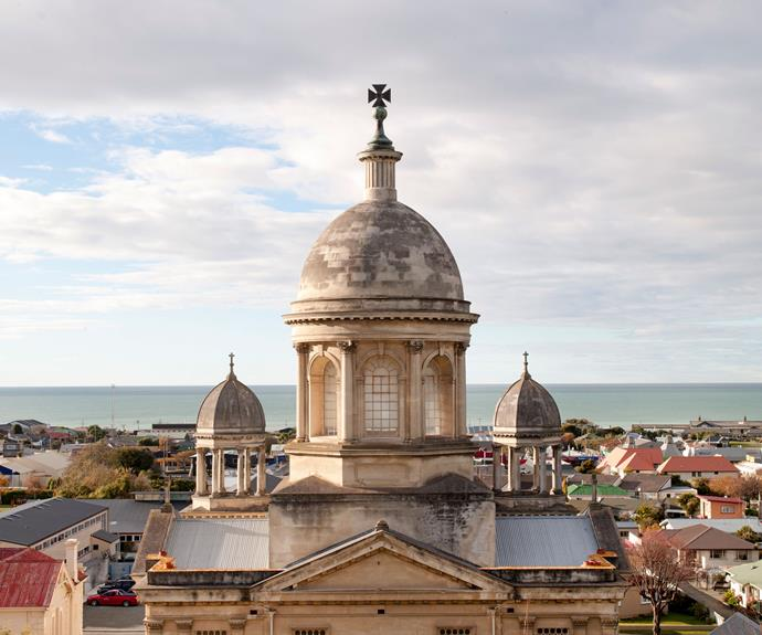 In common with many lovely coastal towns, Oamaru has had a slight population rise.