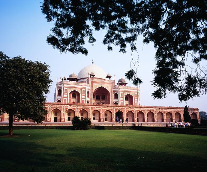 The tomb of emperor Humayun, Delhi.