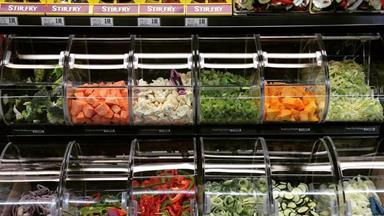 Kiwi supermarkets offer pre-chopped vege bulk bins