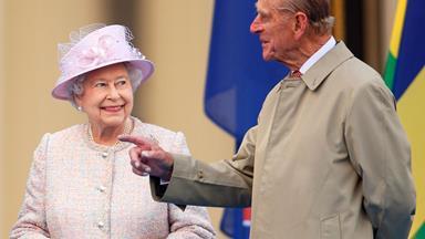 Queen Elizabeth celebrates wedding anniversary