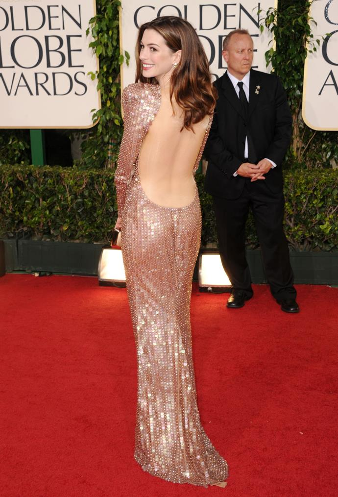 Anna Hathaway at the 2011 Golden Globe Awards.