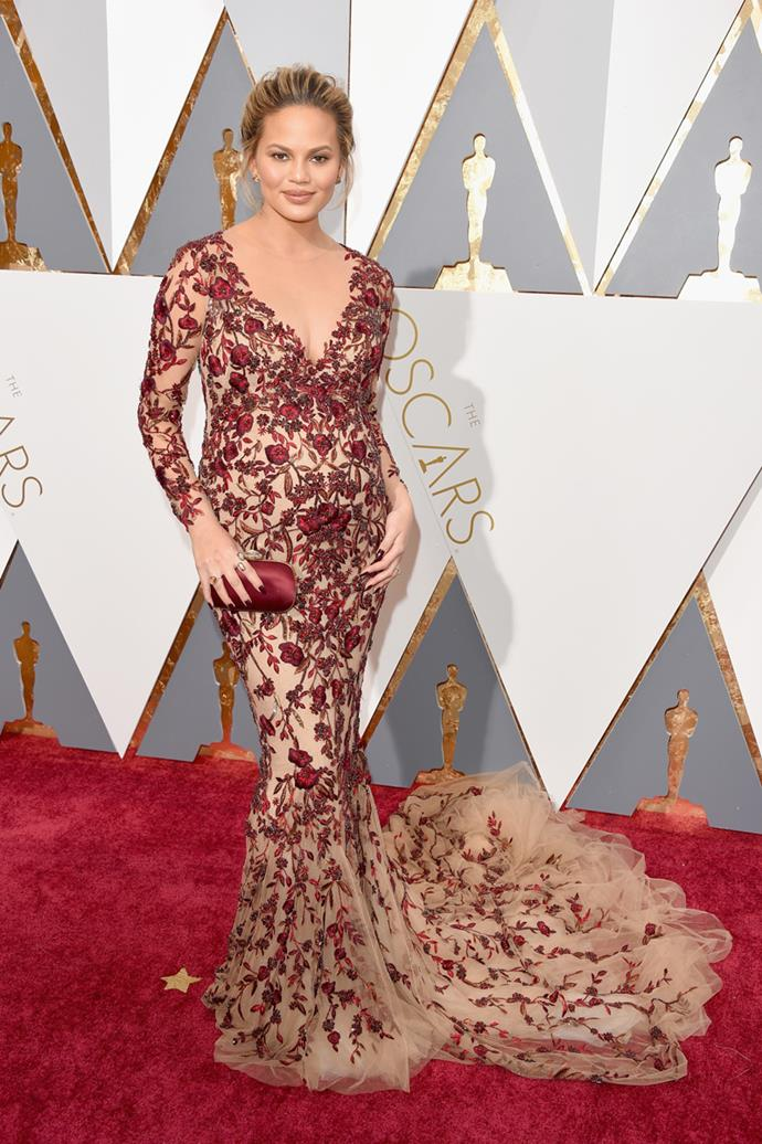 Chrissy Teigen arrives at the 88th annual Academy Awards.