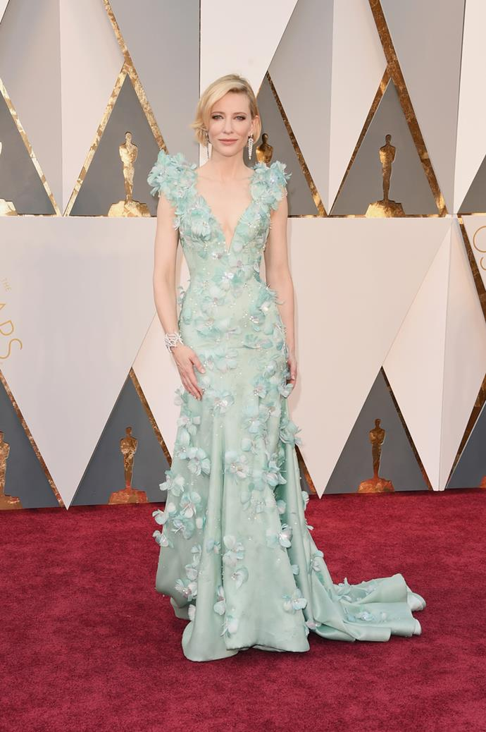 Cate Blanchett arrives at the 88th annual Academy Awards.