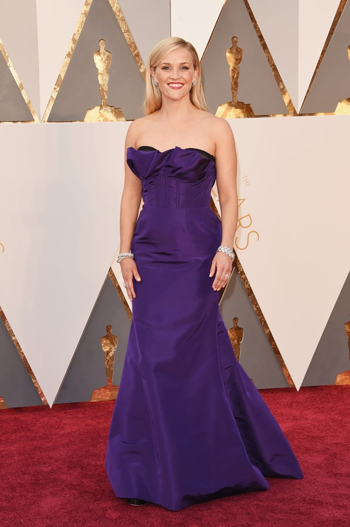 Reese Witherspoon arrives at the 88th annual Academy Awards.