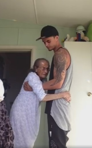 Kiwi grandson dances with nana in touching viral video