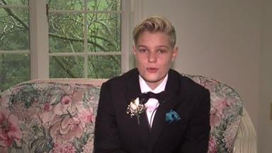 Girl banned from prom for choosing to wear a tux