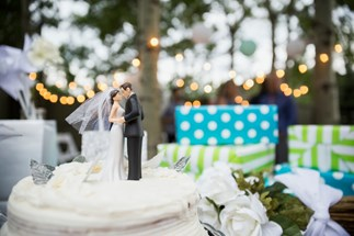 Could 10-year relationship contracts replace marriage?